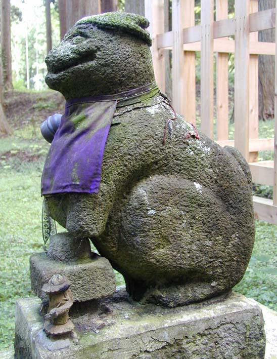 巌鬼山神社(青森県)の狛犬