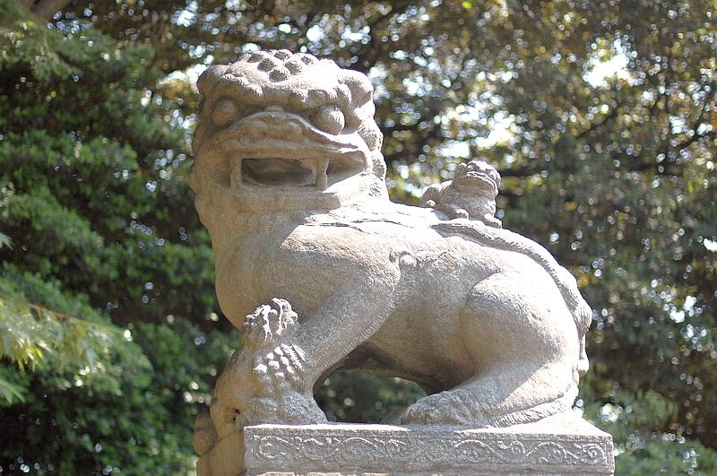 靖国神社の中国獅子。大清光緒2(明治9=1876)年、保定府深州城の ...