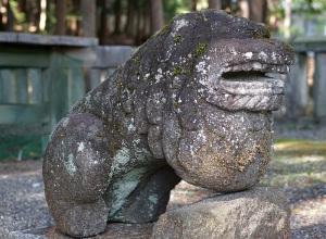 磐裂神社の狛犬