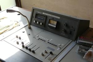 学校の放送室